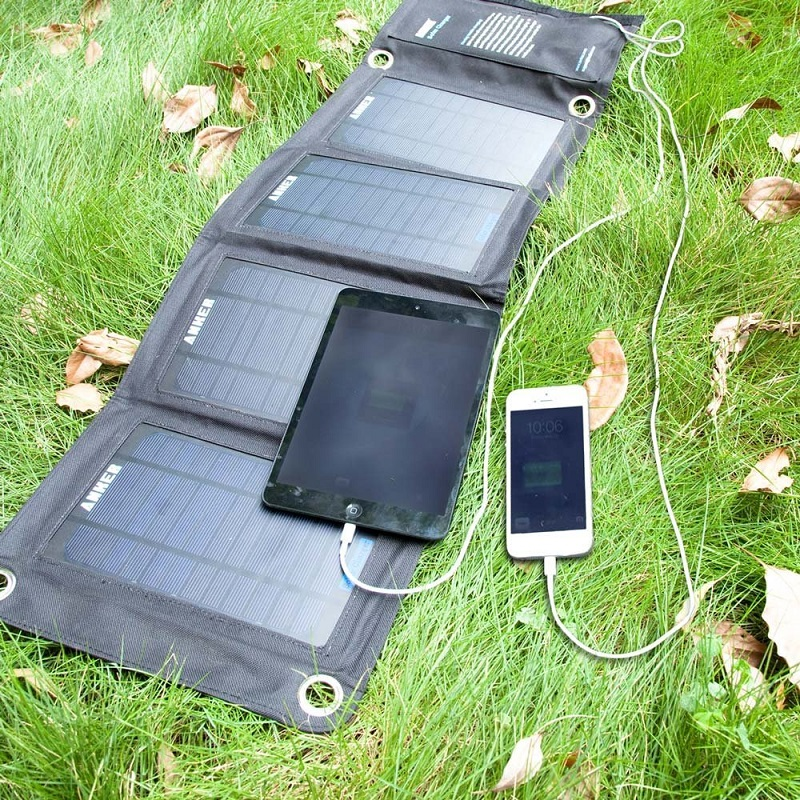 anker-solar-charger-14w-3